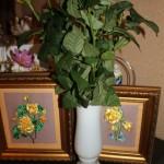 картины и ваза